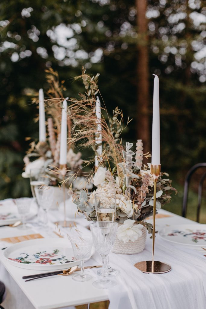 Elegantly rustic table setting